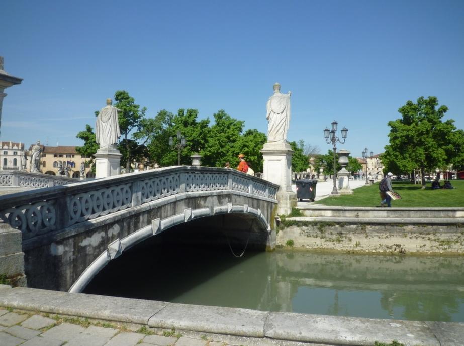canale e ponte Isola Memmia
