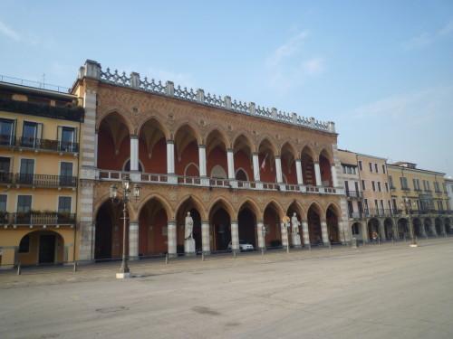 Loggia Amulea nella piazza prato della valle